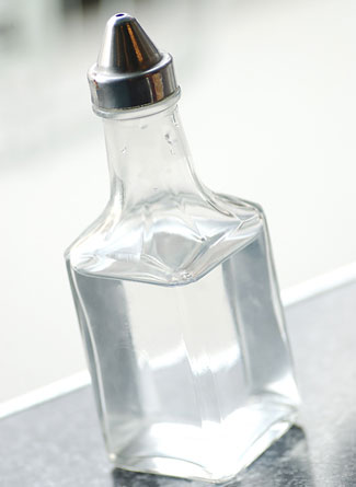 موسوعة النصائح لست البيت وللزوجة لاتفوتك- أرشادات لك سيدتي في مطبخك ( أرشادات عامة ) Vinegar_3251