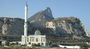 https://bisabangkit.files.wordpress.com/2010/10/300px-abdulaziz_mosque_gibraltar.jpg?w=300